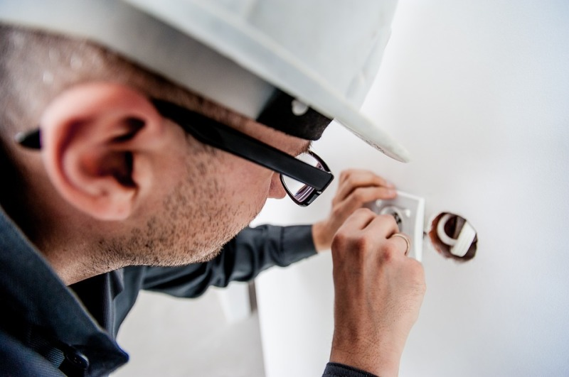 How to Choose a Reliable Electrician